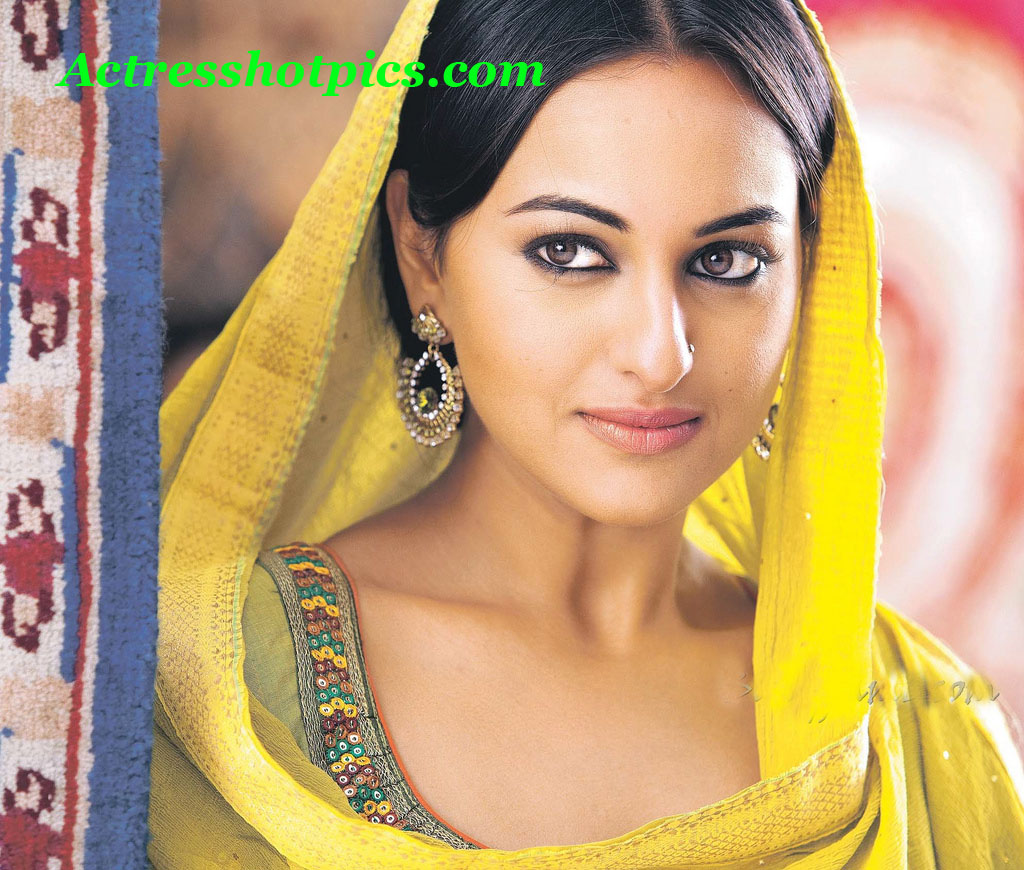 http://1.bp.blogspot.com/-Hzv3R7CObF0/Ttdog4uUGAI/AAAAAAAAALY/C62lho4k-CU/s1600/sizzling-sexy-actress-sonakshi-sinha-beautiful-hd-wallpapers.jpg