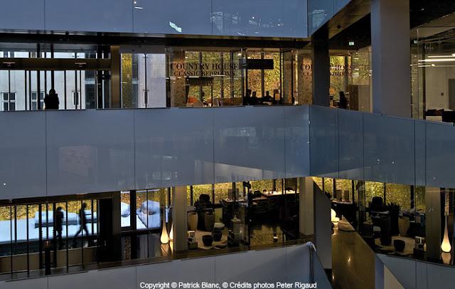 SOFITEL VIENNA STEPHANSDOM_Jean Nouvel_Patrick Blanc_21_Les plus beaux HOTELS DESIGN du monde