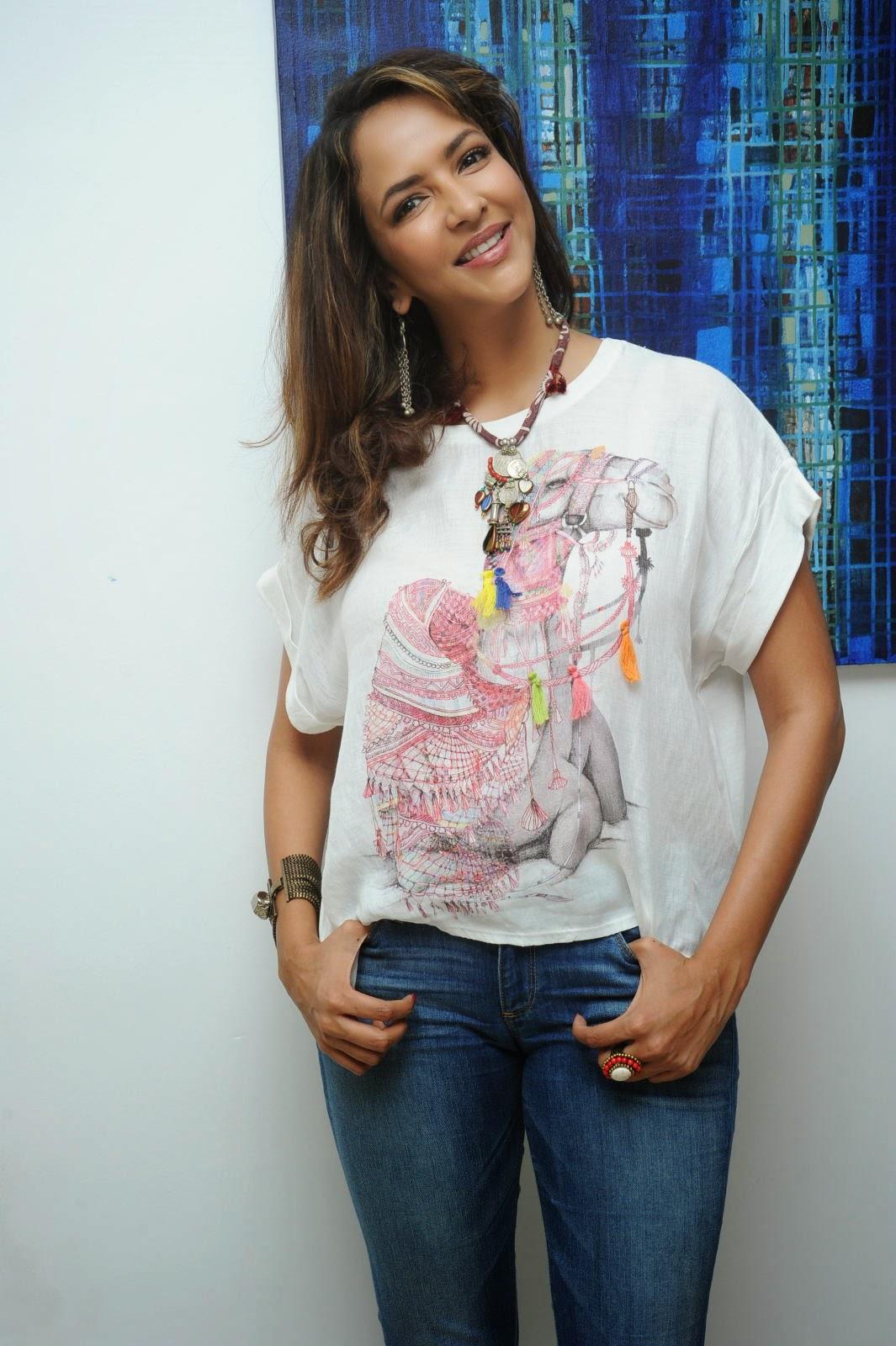 Lakshmi Manchu Latest Stylish Photos-HQ-Photo-40