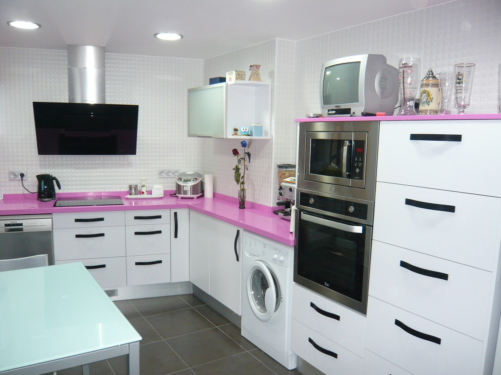 Reuscuina muebles de cocina en formica blanca mate for Muebles de formica para cocina