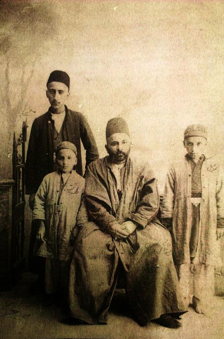 حاج میرزا محمد تقی خان کریم و سه پسرش حسین ،اسماعیل محمدباقر