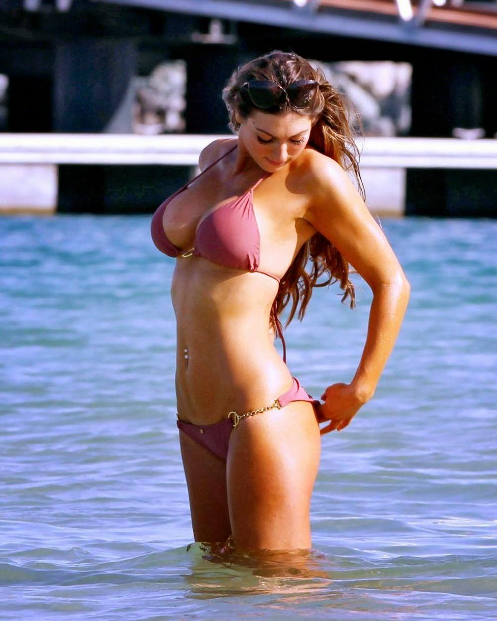 Naughty Bikini Pics 54