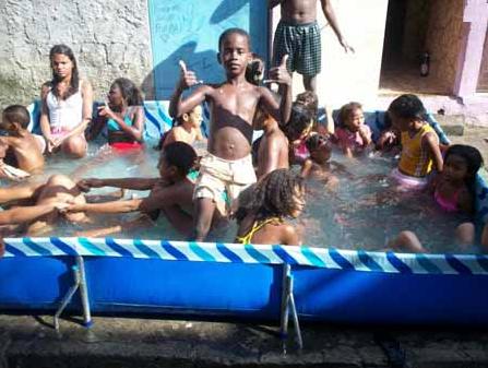 Piscina online como tratar uma piscina de plastico for Piscina de 6000 litros