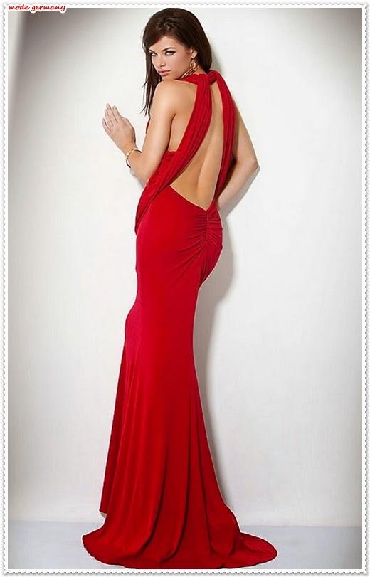 Rotes Abendkleid mit Dekolletee