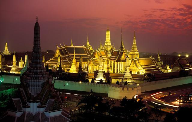 mua ve may bay di bangkok Wat Phra Kaeo