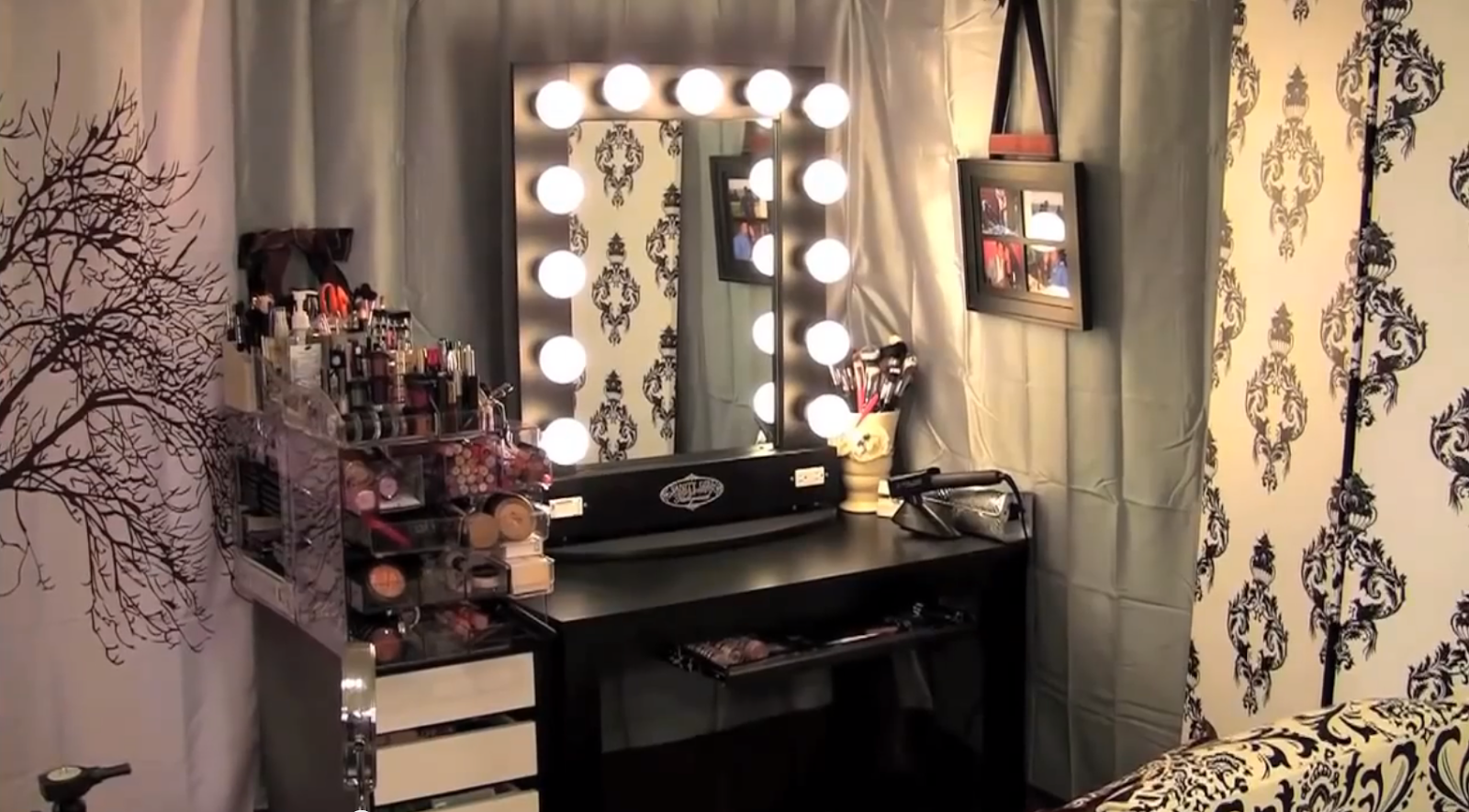. Dose of Lisa Pullano   My Makeup Tour  amp  Storage Ideas