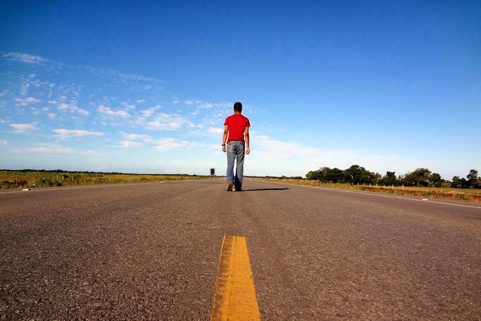 Телка путешествует автостопом фото 16 фотография