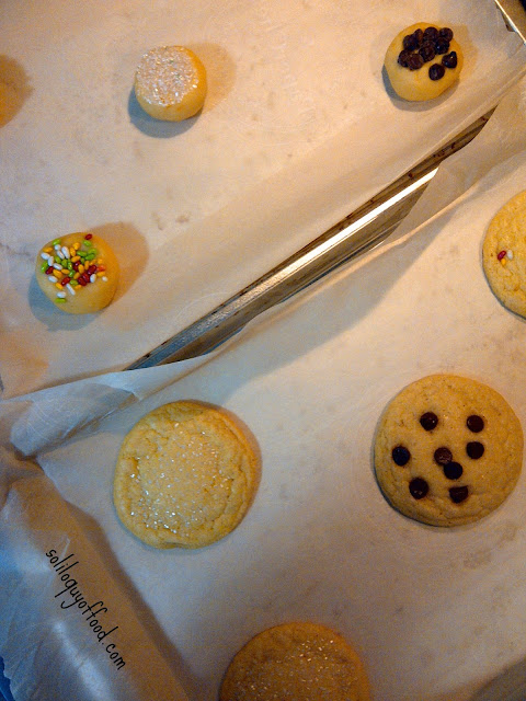 Soliloquy Of Food & Such :  Soft & Chewy  Old Fashioned Sugar Cookies - before and after | www.soliloquyoffood.com