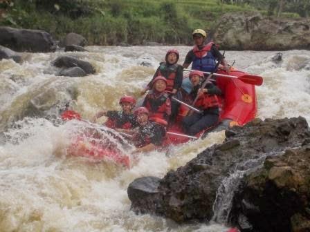 Paket Rafting Bogor Murah