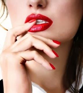 bibir merah merona