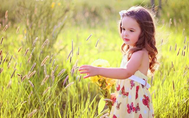 Beautiful butterfly cute girl with grass HD Wallpaperz qklaos
