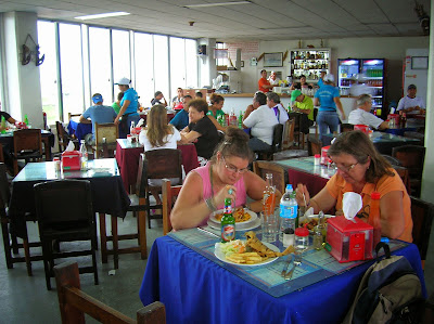 Restaurante Mercado de Marisco, Panamá, round the world, La vuelta al mundo de Asun y Ricardo, mundoporlibre.com