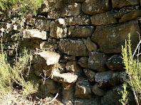 Escales entre feixes a prop de la barraca de vinya del Girbau