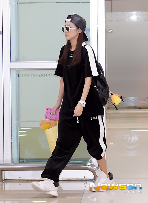 2ne1 sandara airport fashion official korean fashion
