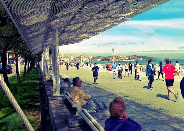 Gijón playa san lorenzo Bloggertrotters