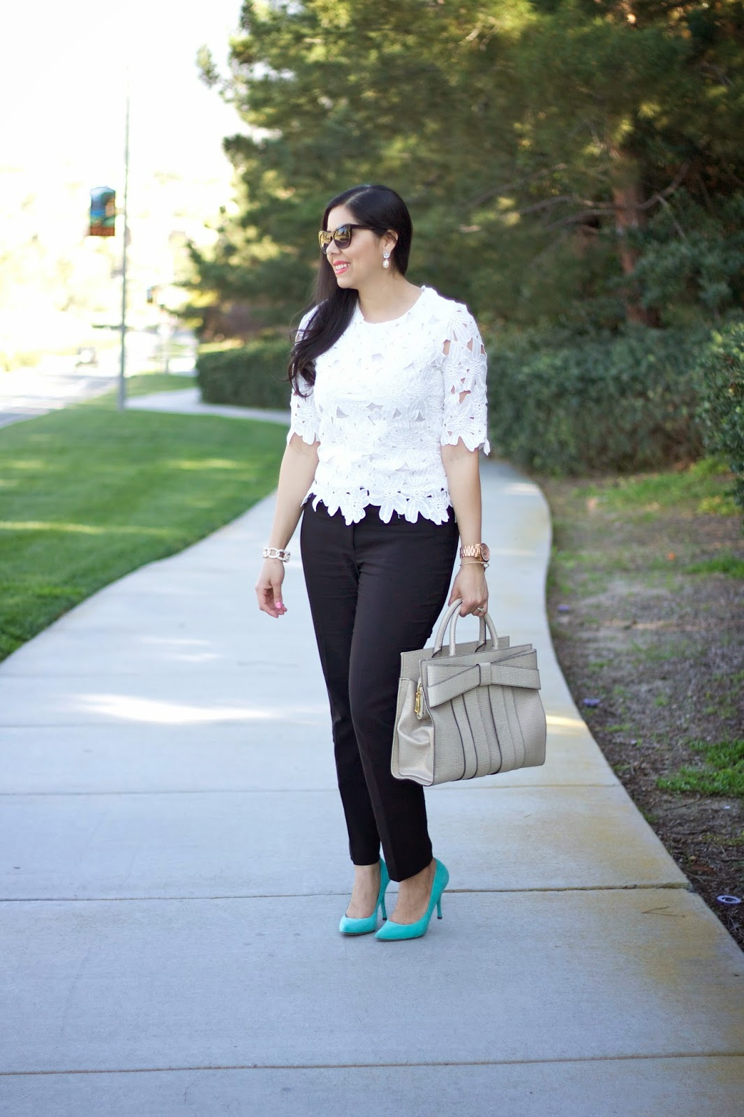 Mexican blogger, classy spring outfit 2015, whimsical spring outfit, what to wear this spring 2015, bow purse