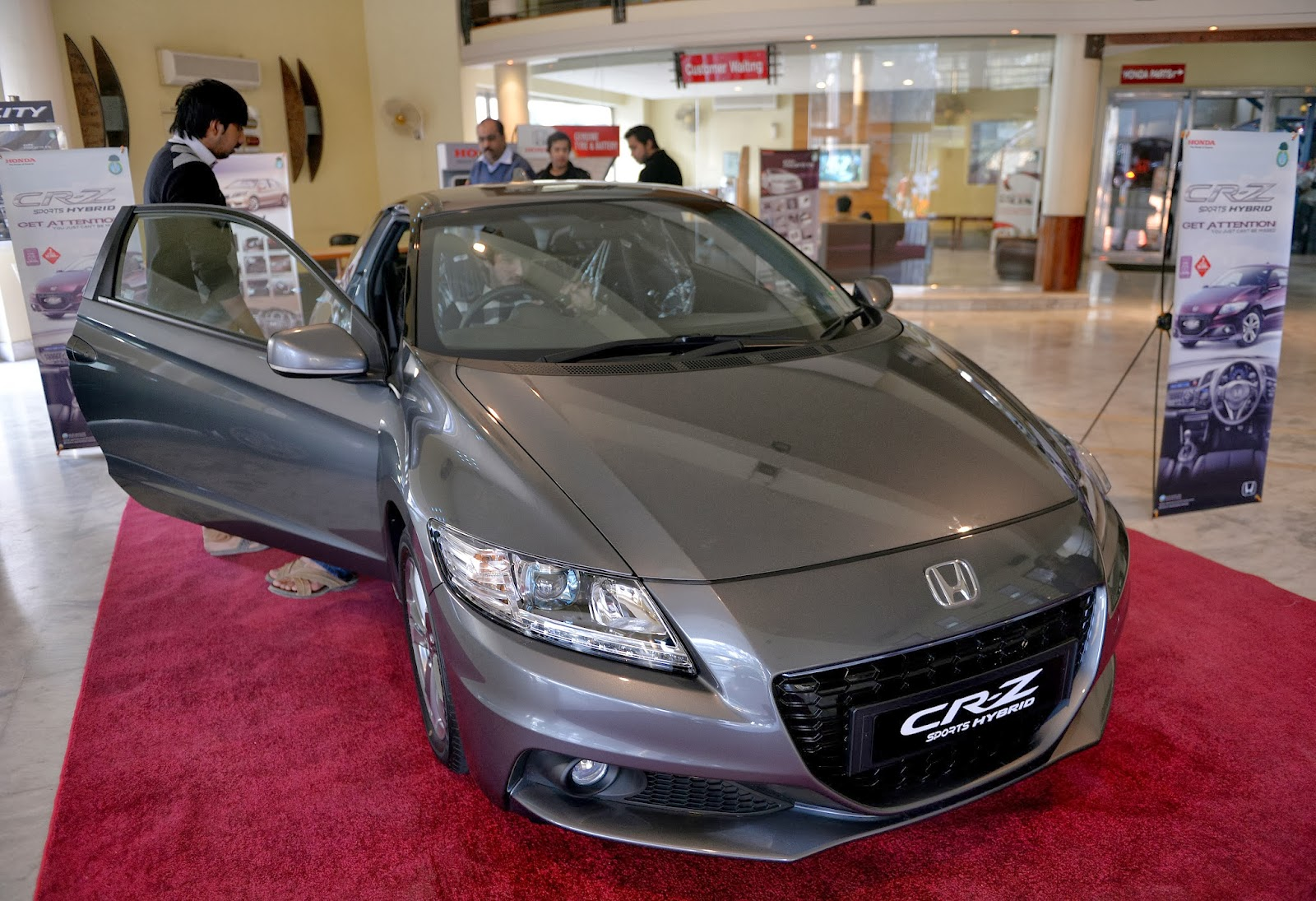 Pakistan, Transport, Cars, Energy, Hybrid, Environment, Business, Economy, Honda, Sports Car, Islamabad, Customers, Electric, CR-Z,
