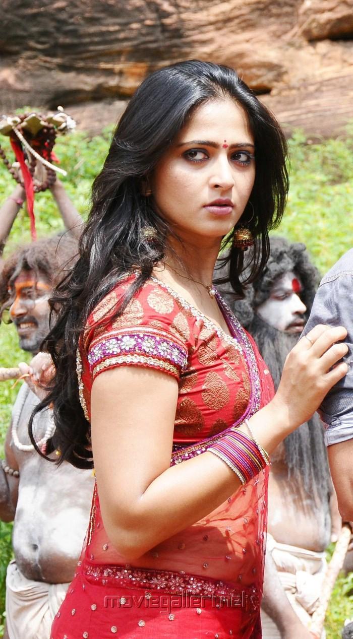Actress Anushka Latest Stills   Chennai365
