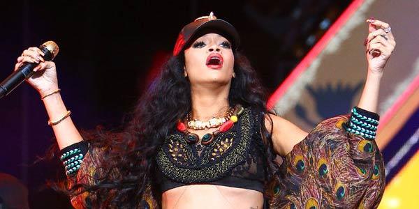 Penampilan Gadis Mesir Ala Rihanna
