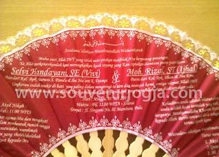 undangan pernikahan kipas box