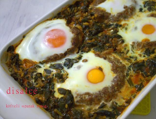 fırında köfteli yumurtalı ıspanak yemeği