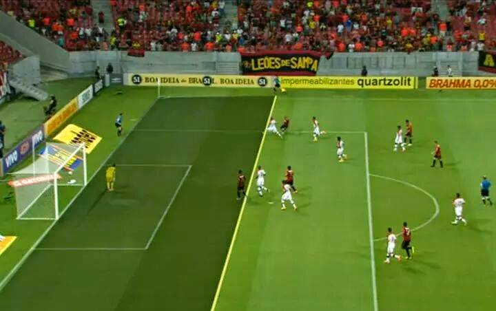 Juiz confunde camisas e acaba fazendo gol contra para o Sport contra o Mengão
