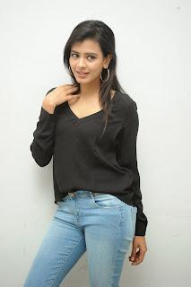Hebah Patel glamorous Pictures in black 027.jpg