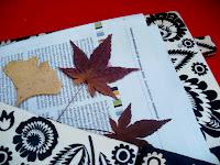 prasowanie jesiennych liści