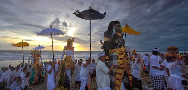 bali, , nyepi, radio, raya, silent day, tradition, Ogoh ogoh, nyepi day, hari raya nyepi, Balinese New Year, Melasti, Tawur Kesanga, New Year