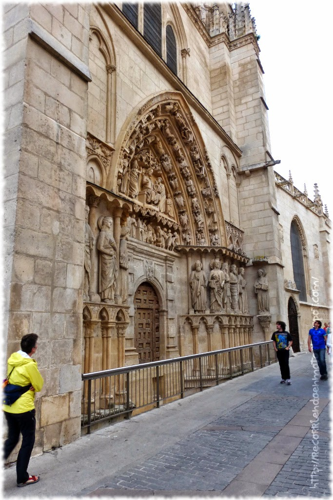Puerta lateral Catedral Burgos