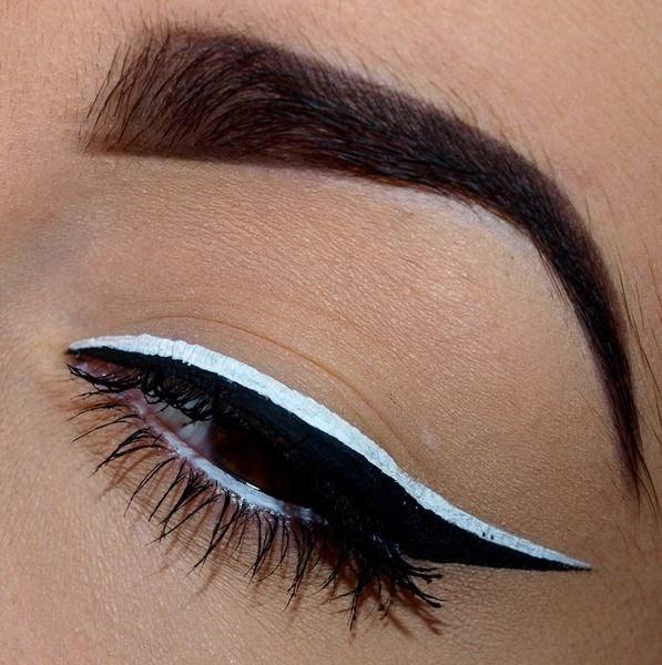 La beaut de l m blog beaut bien tre culture et gourmandise on ose l 39 eyeliner de couleur - Faire un trait d eye liner ...