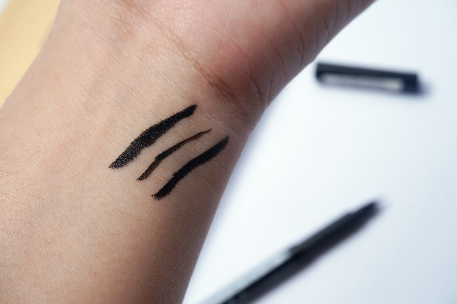 LA Girl FineLine Eyeliner swatches