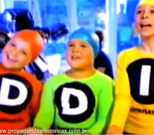 Propaganda de 1999 com o trio DDD e DDI da Embratel.