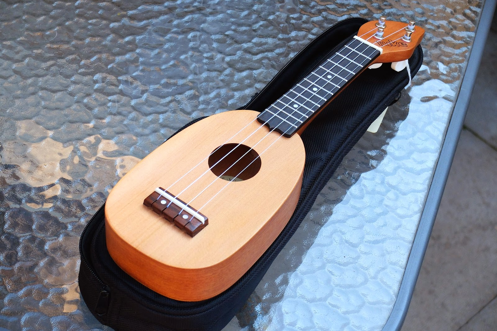 iUke Piccolo Mini Ukulele