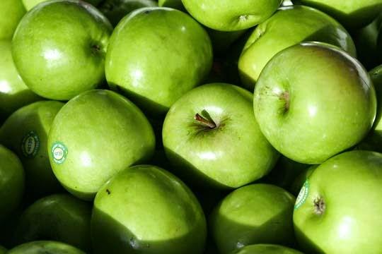 apel-tercemar-bakteri-listeria