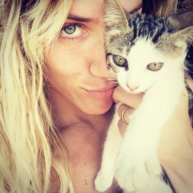 Giovana e seu gatinho
