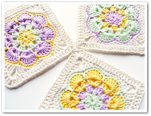 African Flower Hexagon Crochet Pattern Free : Made in K-town: African Flower Square Tutorial
