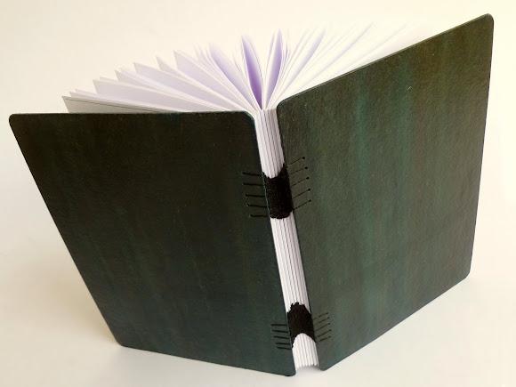 caderno-pequeno-folha-branca-encadernaçao-artesanal-tecida-s30-04