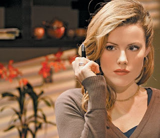 Kathleen Robertson Photos And Videos