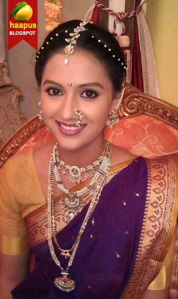 ह्या घराची Actress Tejashri Pradhan Got Engaged