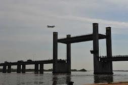 Problema no içamento da ponte causou o congestionamento