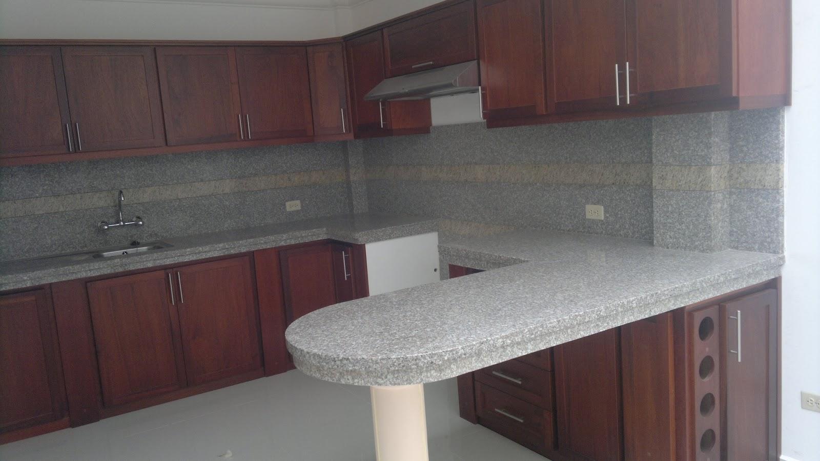 Muebles para cocina en cuenca ecuador ideas for Banos con ceramica rustica