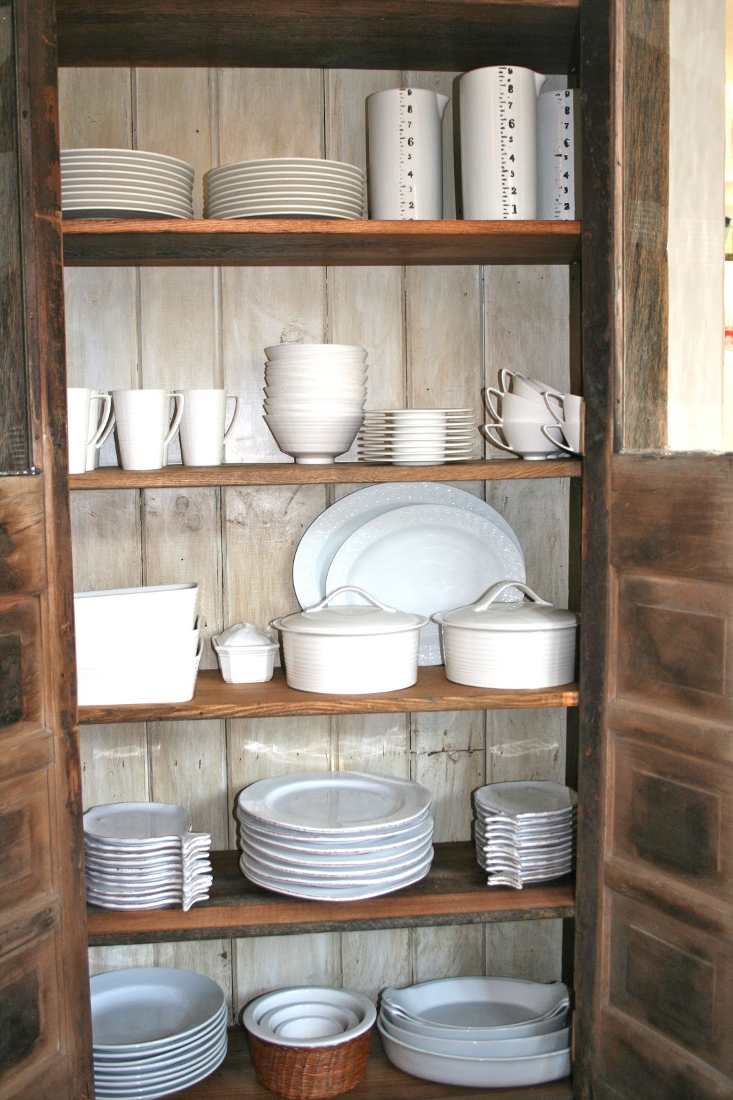 The Polished Pebble: Modern Country Style: Kitchen Storage Roundup