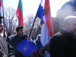 Самарското знаме сменя знаменосците, но не попада в ръцете на врага,,,