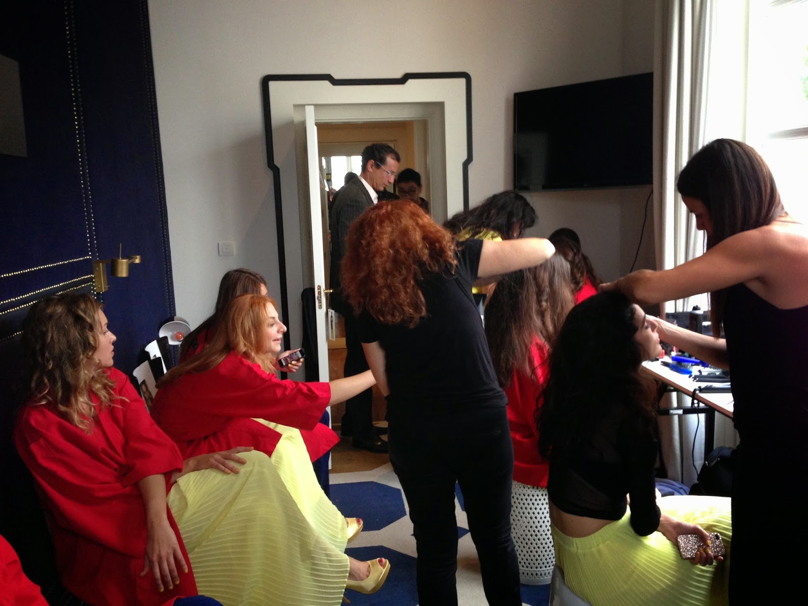 Preparación de modelos del desfile del Día del Escote Wonderbra - Foto: Amaya Barriuso