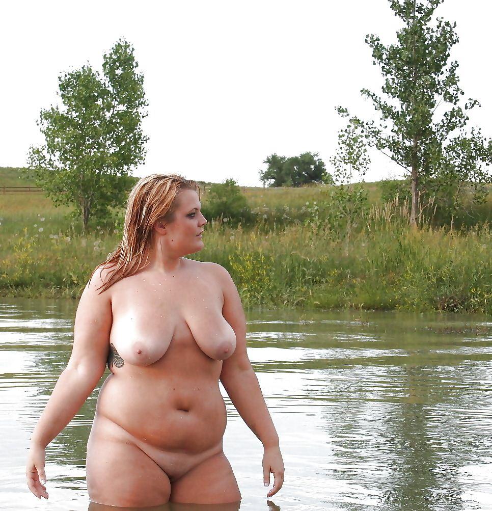 Пышные дамы на фото голые природе