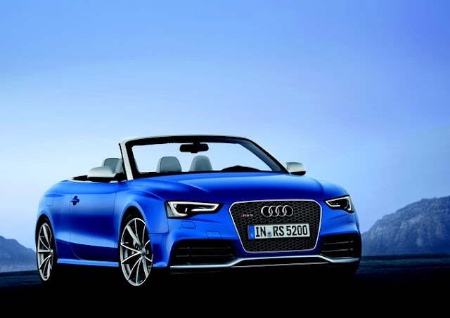 2013 Audi RS5 Cabriolet engine compartment design