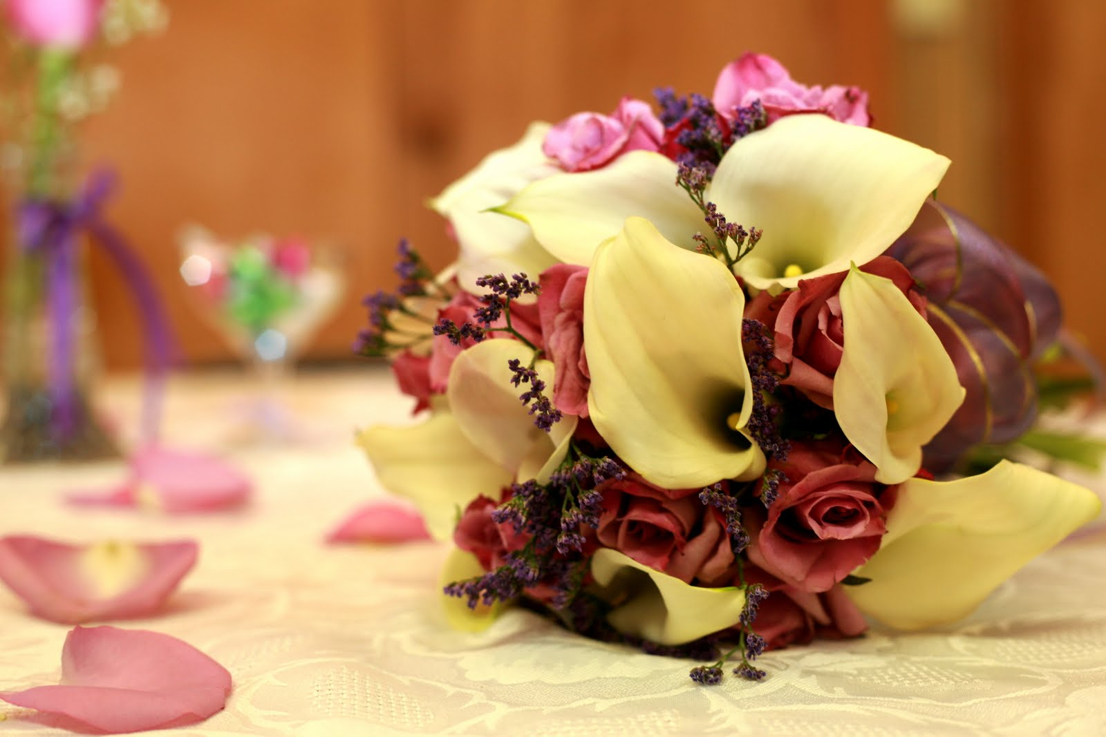 Mehndi Flower Arrangements : Wedding flowers roses flower design