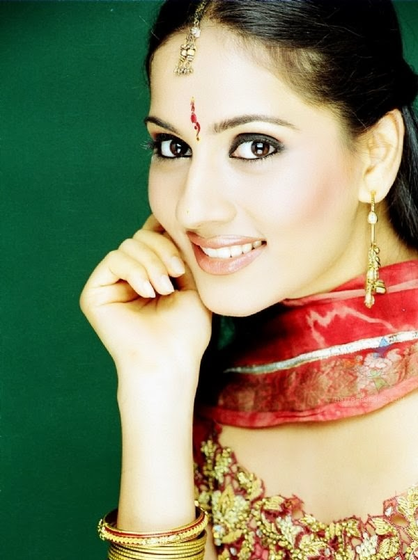 Kanchi Kaul HD Wallpapers Free Download