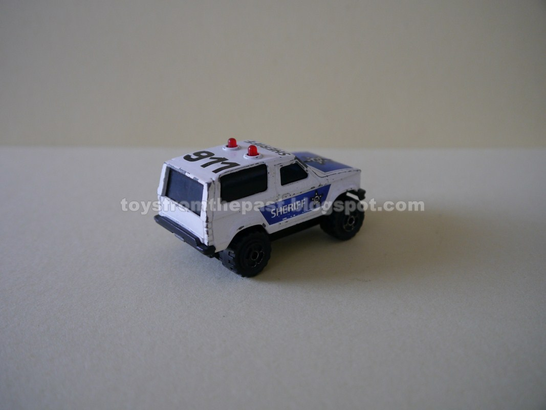 toys from the past 544 majorette sonic flashers series 2300 the police decoration of the porsche was adapted to in this especial model i am showing here together two versions of the pace car red or